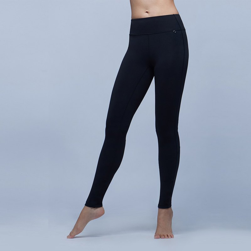 [MACACA] stable small hip sports trousers - ARE7901 black