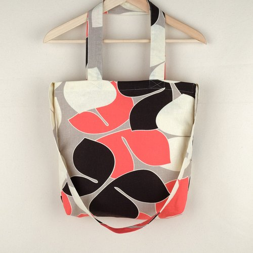 [Limited] Chic vintage linen tote bag with cream/orange butterfly floral prints