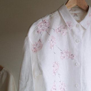 Linen · long shirt white <cherry blossoms>