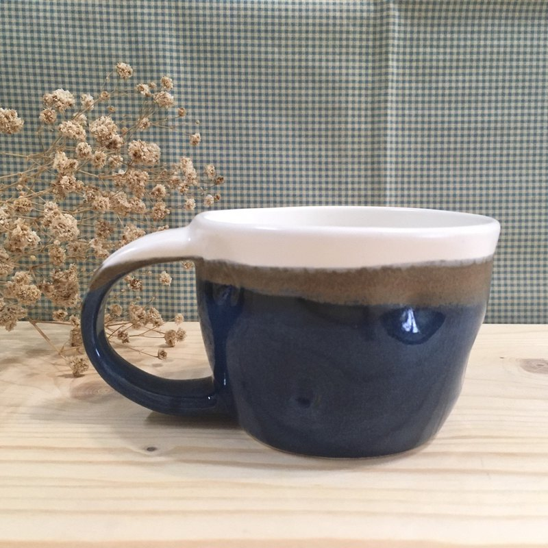 Deep blue - point cup