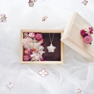 Swarovski jewel necklace / Gift Box with Dried Flower / Pink
