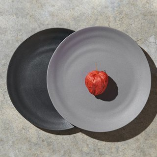 [3, co] Water Wave Dinner Plate (2 pieces) - Grey + Black