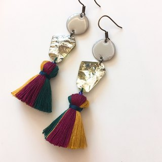 Beautiful years hanging tassel earrings ear hook / ear clip