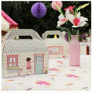 Belle & Boo House Carton