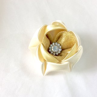 Gold Flower clip. Kanzashi Ribbon flower hair clip.