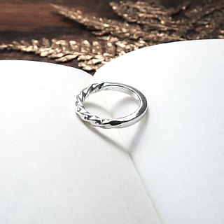 Light and shadow swing sterling silver ring (one)