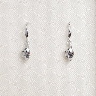 Happiness Knot Earrings A rival silver 925 knot