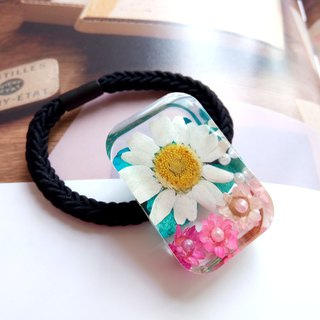 Real flower ponytail holder - pressed flower, Daisy with little flowers