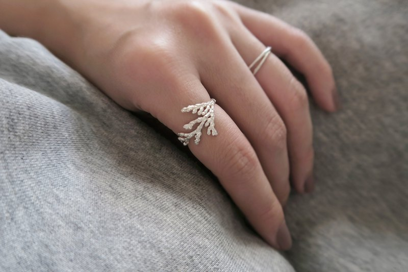 Exclusive Forest Department 925 Sterling Silver Ice Cypress Open Ring