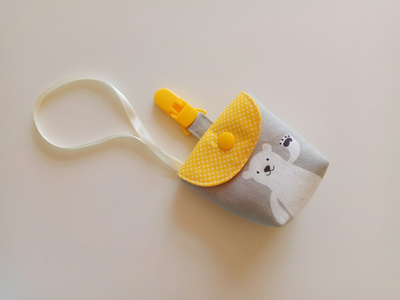 Gray bottom waving bear pacifier storage bag pacifier bag