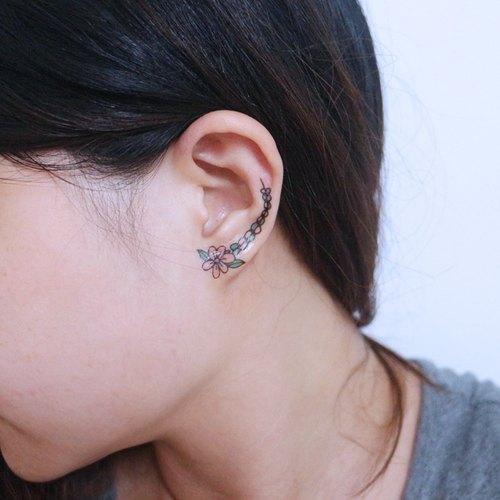 Garland Pseudo Earlobe Earring Earrings