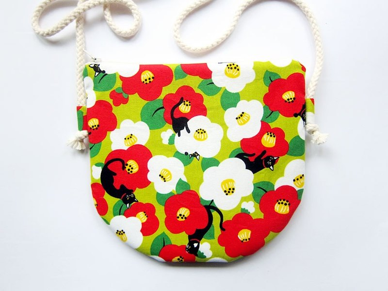 Semi-circular cross-body bag zipper bag purse flower cat