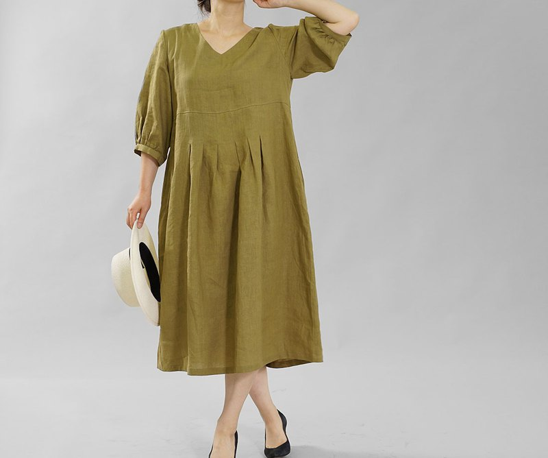 wafu  Linen dress / three quarter sleeve / midi length / khaki a062h-kib1