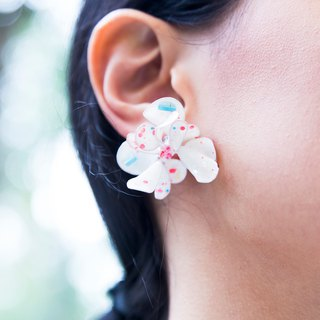 M.dot Milk M- Face Red Strawberry Milk Handmade Jewelry Earrings Single