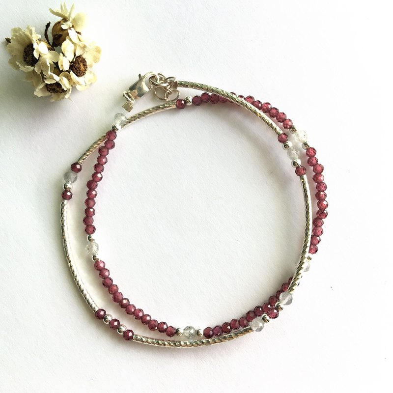 Red pomegranate and labradorite sterling silver fine tube double ring bracelet