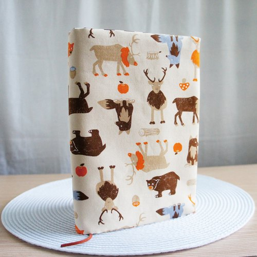 Lovely [Japanese cloth] will not let you see cloth book [autumn animals] book cover 25 open 15X21cm
