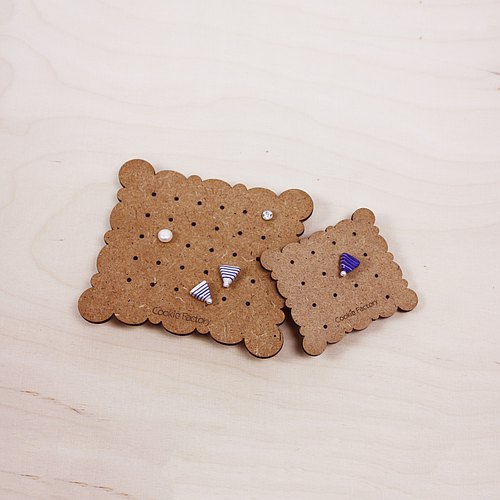 Wooden earrings jewelry storage group cloud pillow styling household, travel carrying small earrings storage, a group (a total of two biscuits, one small one the same style) biscuit factory