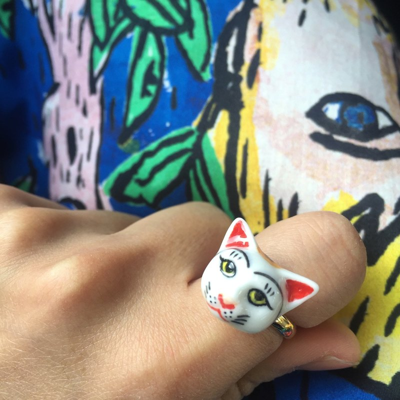 Lucky Cat ceramic ring