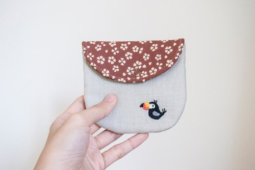 巨嘴鳥 Toucan Embroidered Linen Wee Pouch