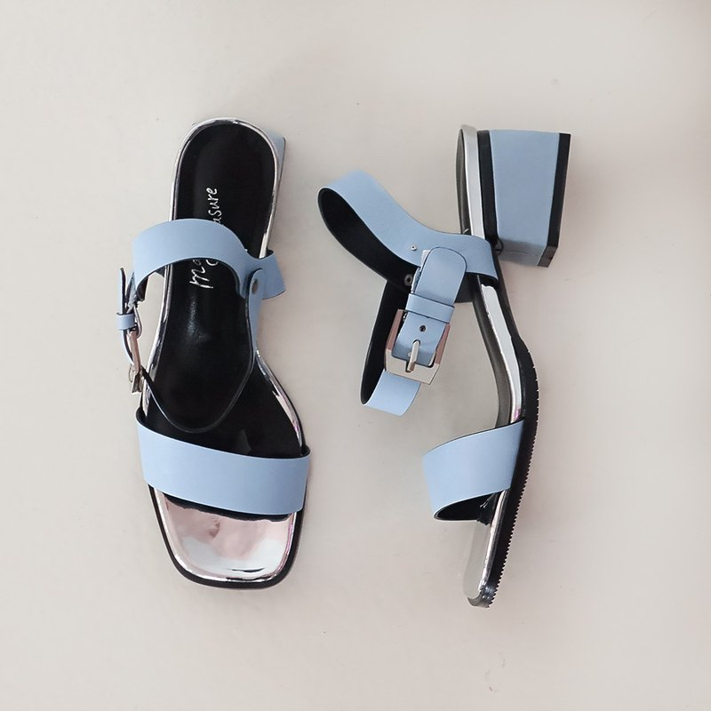 Research room selection - micro-metal brilliance! One-word square head low heel sandals blue full leather - sky color