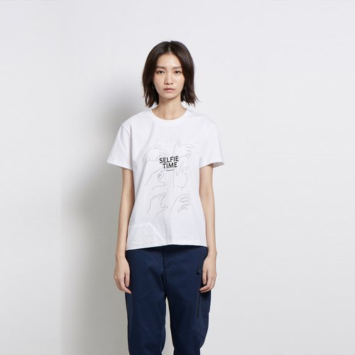 45 degrees - Selfie gesture printing Tee - white