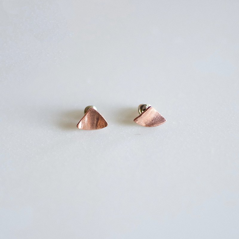 The mountain hill | earrings