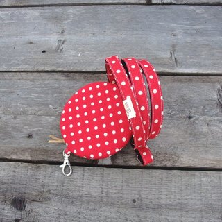 Me. Cute girl. Leash + carry-on bag - red