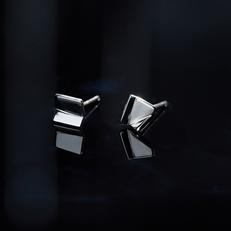Azoth | Geometric Angle Earrings Square