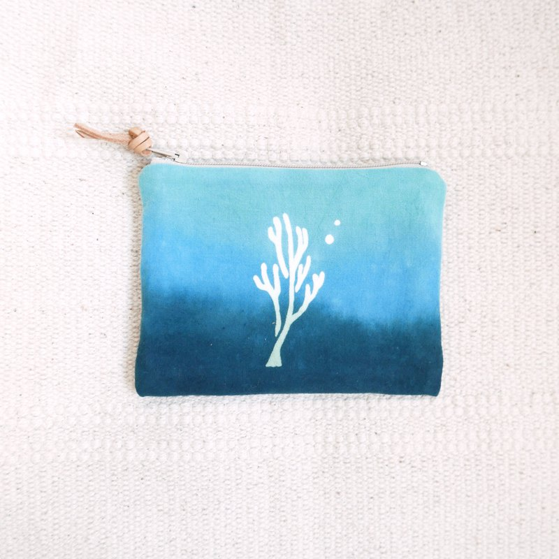 : Coral: coin purse storage bag earphone bag hand dyed rendering gift