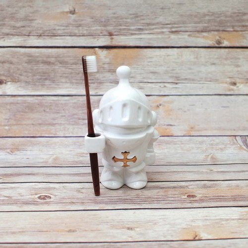 Knight Toothbrush Holder
