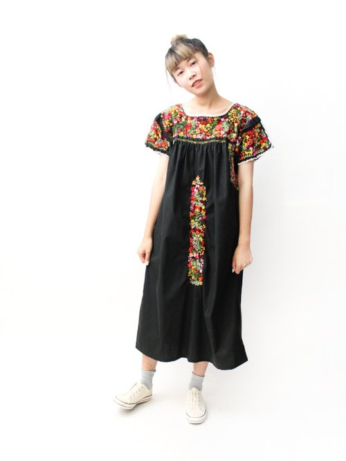 【RE0602MD059】 early summer black hand embroidery flowers loose American Mexican embroidery ancient dress MEXICAN DRESS