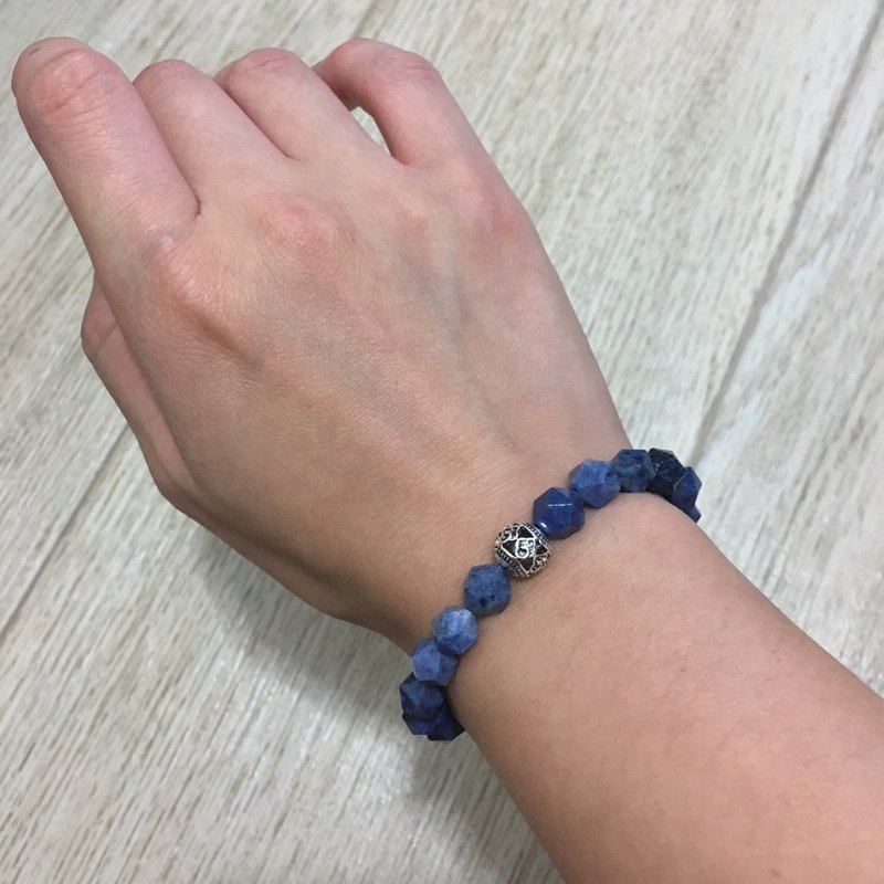 Blue diamond-shaped cut blue stone with Chinese silver beads handcuffs