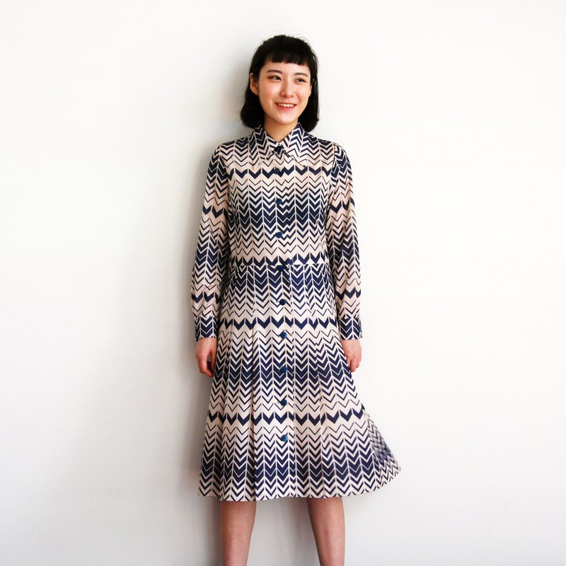 Ancient corrugated printing dress