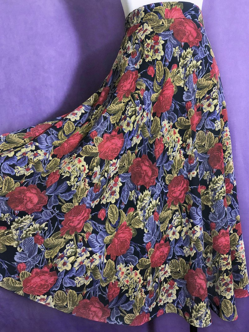 Romantic flower skirt with a skirt / abroad brought back VINTAGE