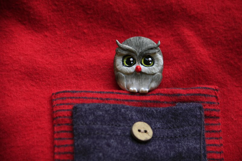 Owl brooch / pin