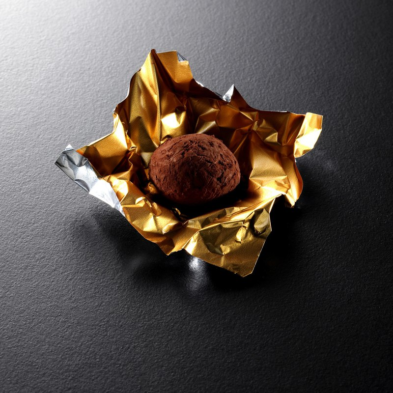 Sold OutPlease reserve chocolat R Staff Whiskey Truffle Chocolate (4 pcs / box)