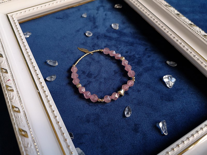 Strawberry Crystal Feather Bracelet (14K Gold)-One Thing One Picture Love Crystal Gift