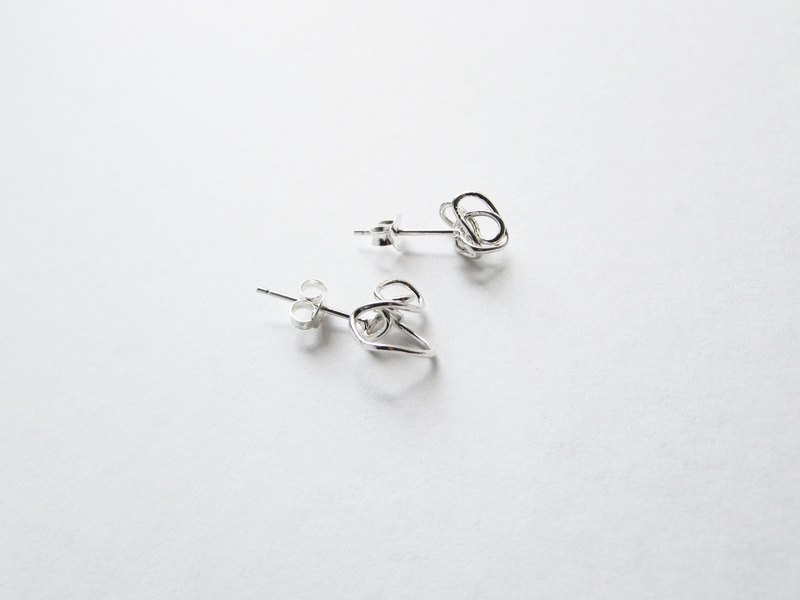 Silent silver earrings