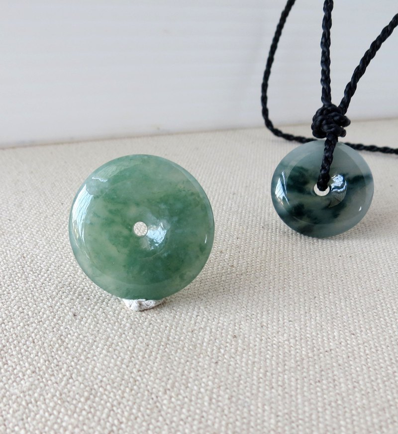 Chinese New Year [Ping An · Ruyi] Ice Mo Xisha Floating Flower Emerald Silk Wax Necklace M1 [Four Strands]