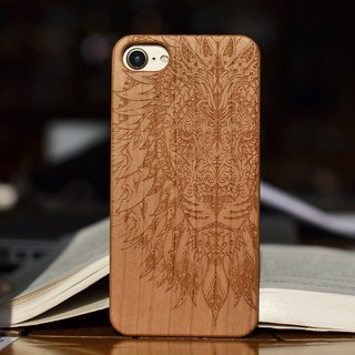 Personalized custom lion head laser engraving natural iPhone 6 / 6s / 6 plus / 6s plus / 7/7 plus wood + environmentally frosted plastic phone shell