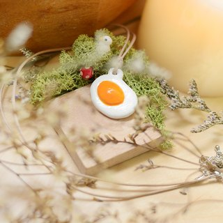 a little fried egg breakfast handmade necklace by Niyome clay