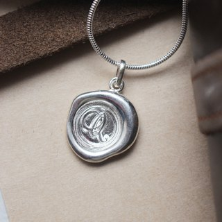 Initial Monogram Q / Make a Mark Personalised 925 Silver Wax Seal Necklace