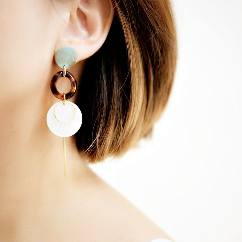Fall / Winter Turquoise Blue and Tortoiseshell Marble Shaking Shake Sticky Earrings Earrings