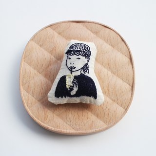 Illustration embroidery brooch Thai friend II | Sako Studio