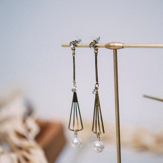 COR-DATE-Fan Swing Hanging Earrings