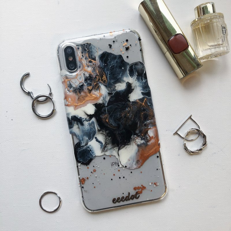 IPHONE XS MAX | Black copper rust | Hand-painted phone case