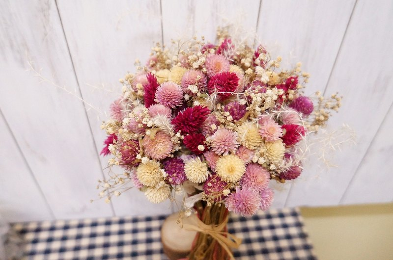 Elk flower Amor Floral-pink combination models bouquet dried flowers Bridesmaid flower girl Mother's Day dried flower crown wedding small bridal bouquets garlands outside the film props family portrait photography wedding photography props dried flower