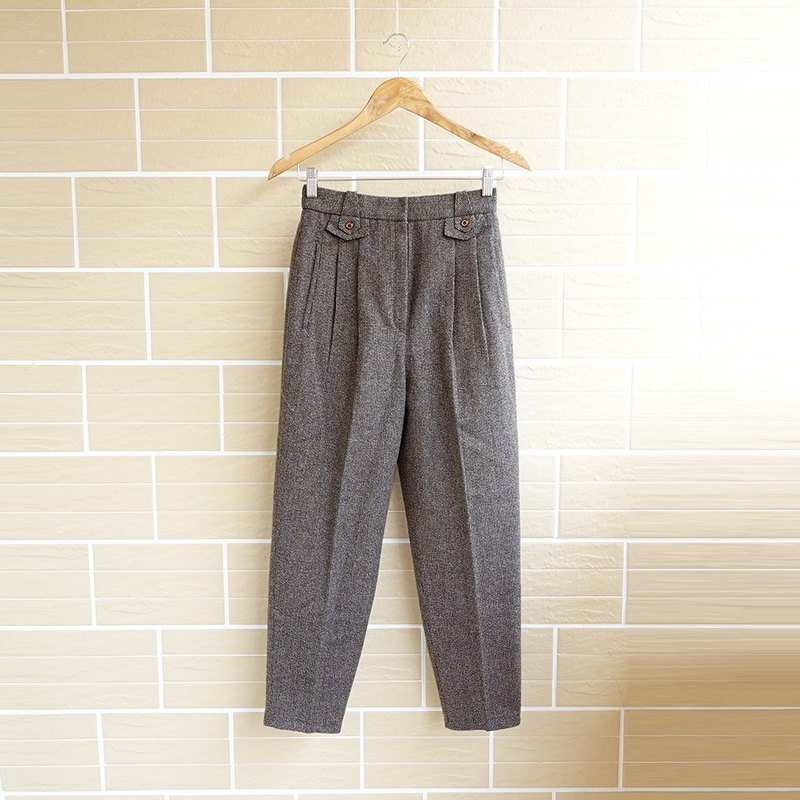│Slowly │ version of the classic hair - ancient pants │ vintage. Retro.
