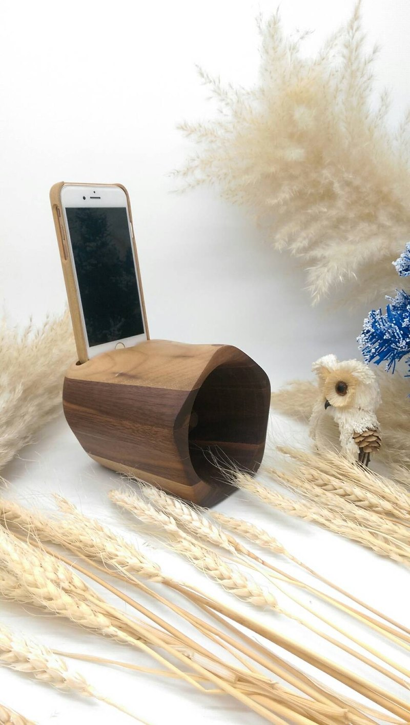 Micro forest. Single hole. Wooden speakers. Speaker. Walnut