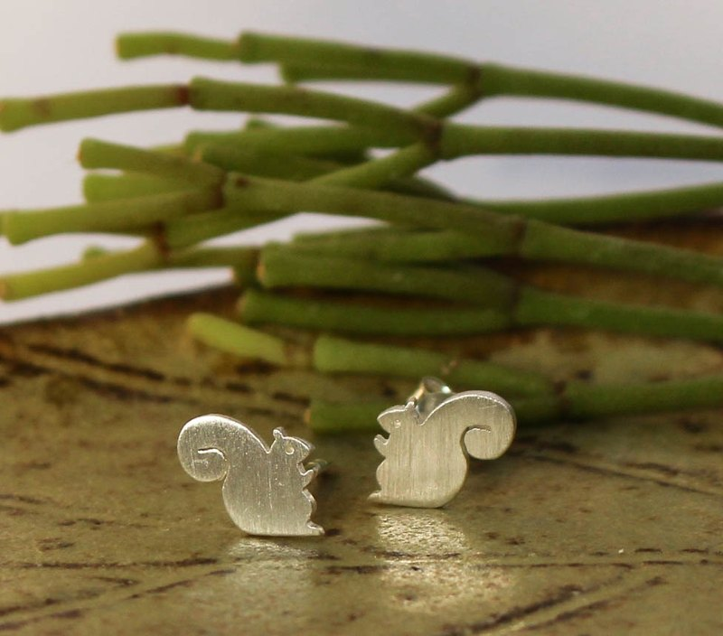 Squirrel - Handmade Silver Earrings (Sterling Silver) ต่างหูกระรอกน้อย /耳環 / 銀